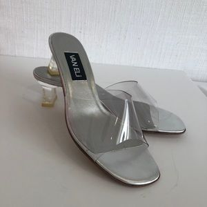 Brand new - Vaneli - Size 8.5 clear sandals